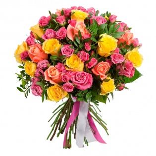 Букеты с кустовыми розами